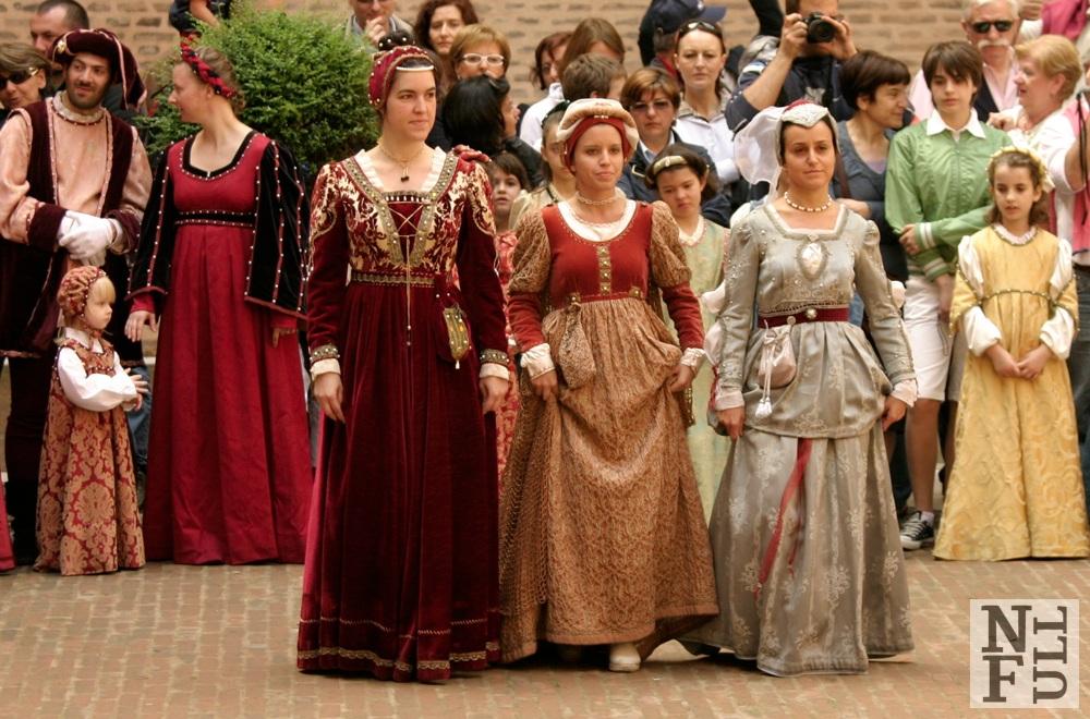 Renaissance dancers