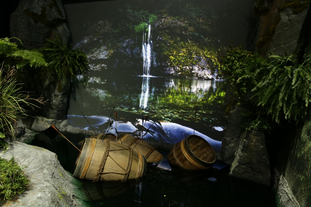 The set of the Pelorus River, Marlborough, with barrels in the pop-up book of New Zealand
